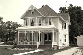 larson house